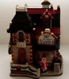 Dickensville Kersthuisje Molly's Fugde & Taffy